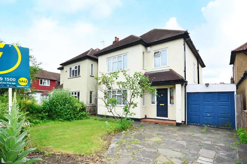 3 Bedrooms Detached House for sale in Motspur Park, New Malden, KT3