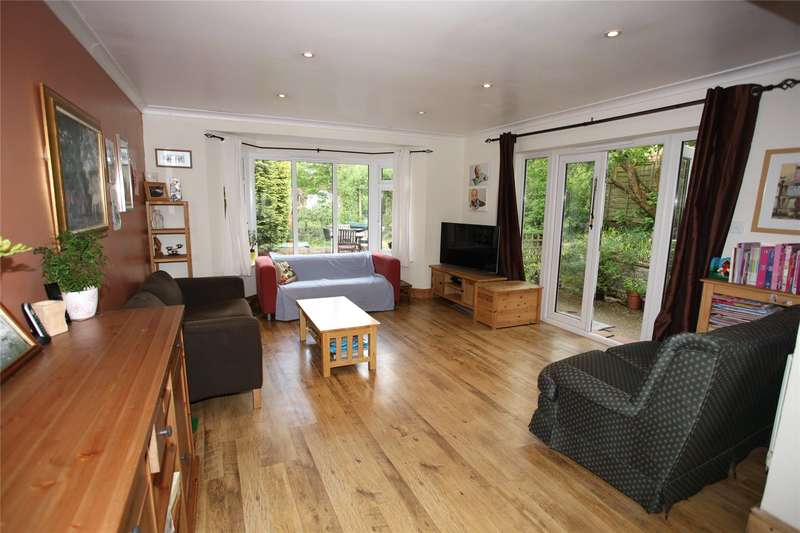 4 Bedrooms Semi Detached House for sale in Burnt Hill Road, Farnham, Surrey, GU10