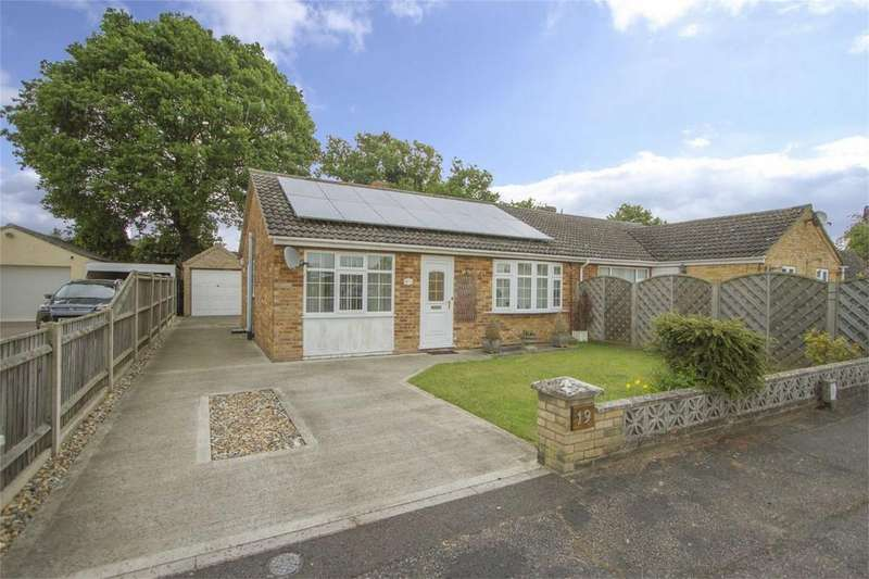 2 Bedrooms Semi Detached Bungalow for sale in Marion Close, Wymondham, Norfolk