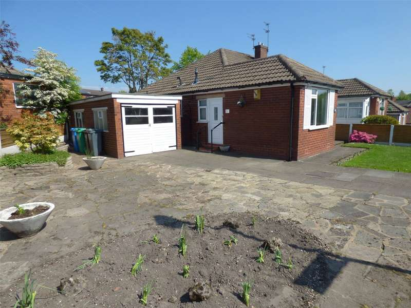 2 Bedrooms Semi Detached Bungalow for sale in Welling Road, New Moston, Manchester, M40