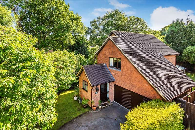 4 Bedrooms Detached House for sale in The Orchard, Woking, Surrey, GU22