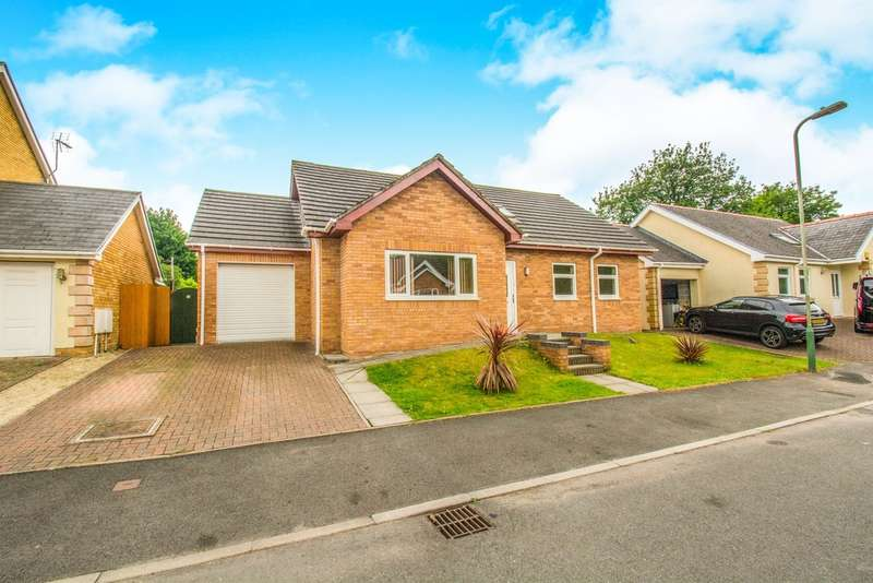 4 Bedrooms Detached Bungalow for sale in Herons View, Pengam, Blackwood