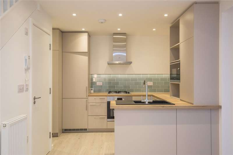 4 Bedrooms End Of Terrace House for sale in New Trinity Road, East Finchley, London, N2