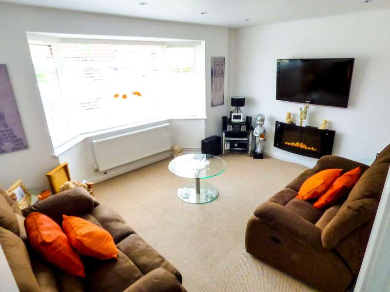 3 Bedrooms Semi Detached House for sale in Wodsworth Road, Luton