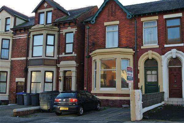 6 Bedrooms Property for sale in Park Road, Blackpool
