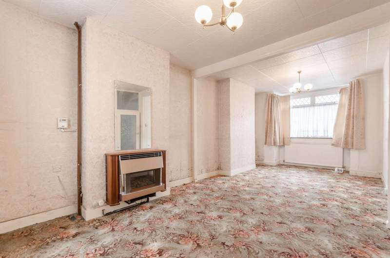 2 Bedrooms Terraced House for sale in Cumberland Road, Higham Hill, E17