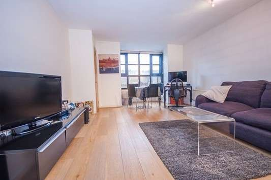 1 Bedroom Flat for sale in Windsor Way, Brook Green, London