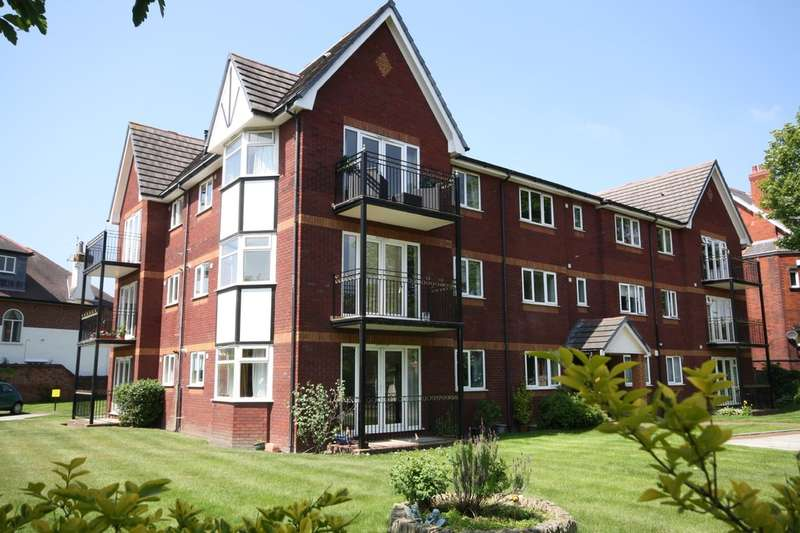 2 Bedrooms Ground Flat for sale in The Pines, Preston Road, Hesketh Park, Southport