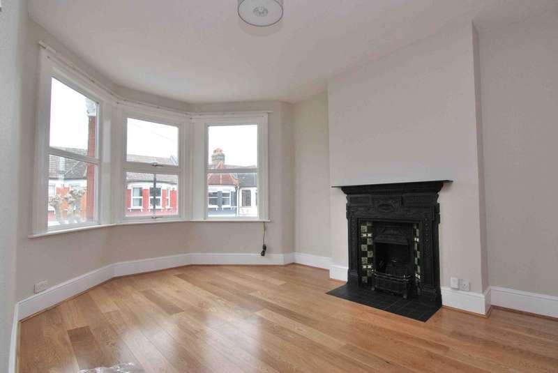 2 Bedrooms Flat for rent in Langham Road, London