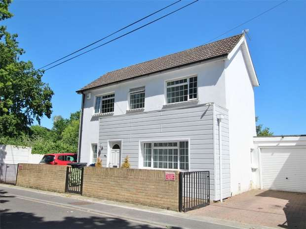 5 Bedrooms Detached House for sale in Uppleby Road, Parkstone, POOLE, Dorset