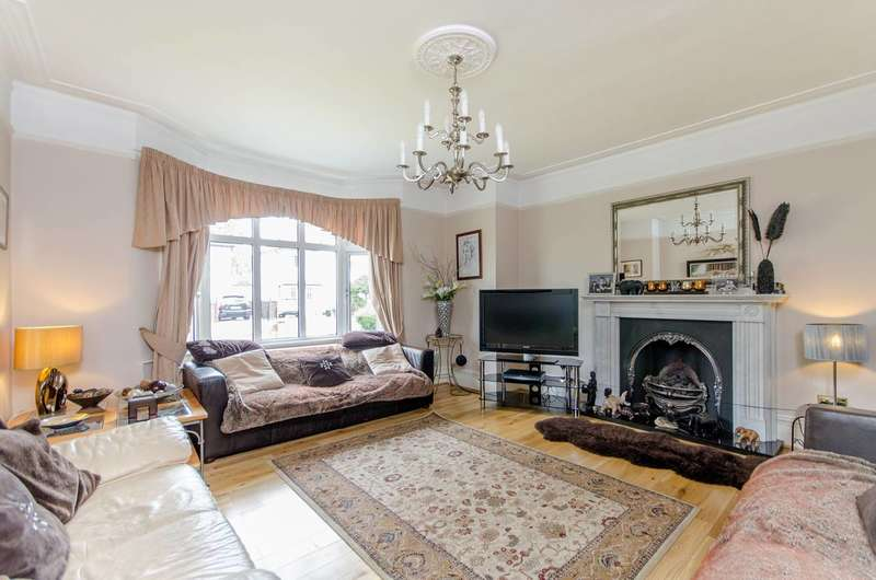 5 Bedrooms Semi Detached House for sale in Sandford Road, Bromley, BR2
