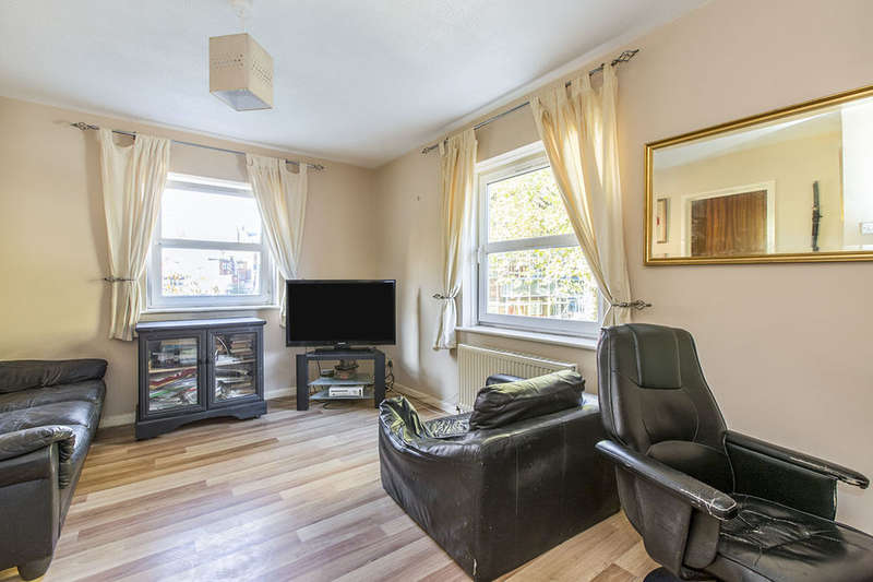 1 Bedroom Flat for sale in College Street, Portsmouth, PO1