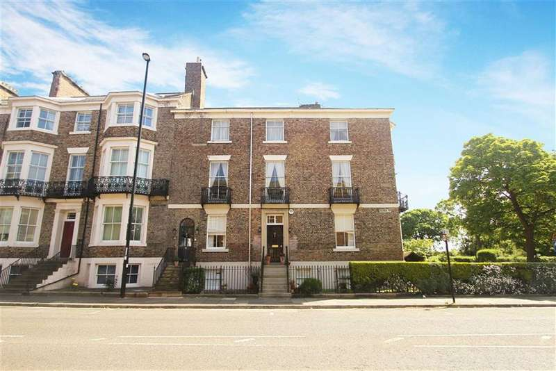 3 Bedrooms Flat for sale in Colbeck Terrace, Tynemouth, Tyne And Wear