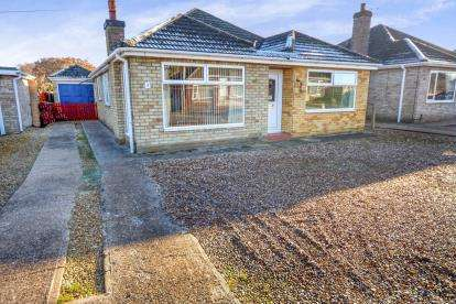 3 Bedrooms Bungalow for sale in Wiseholme Road, Skellingthorpe, Lincoln, Lincolnshire