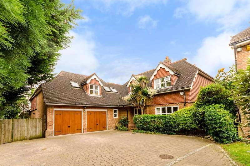5 Bedrooms Detached House for sale in Spinney Close, Worcester Park, KT4