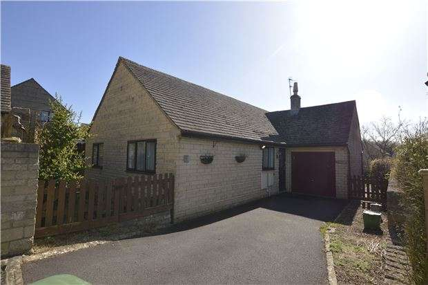 3 Bedrooms Detached Bungalow for sale in Greys Close, Bussage, Stroud, Gloucestershire, GL6 8HB
