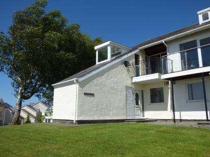 3 Bedrooms End Of Terrace House for sale in Ffordd Glyder, Y Felinheli, Gwynedd, LL56