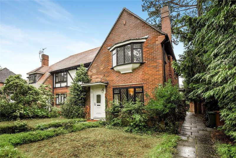 2 Bedrooms Maisonette Flat for sale in Chigwell Hurst Court, Pinner, Middlesex, HA5