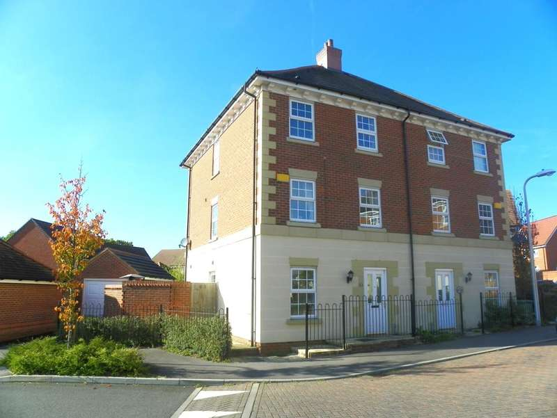 4 Bedrooms Semi Detached House for rent in Mimosa Drive, Shinfield, Reading, RG2