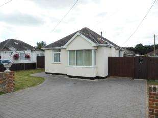 2 Bedrooms Bungalow for sale in Dunstall Close, St Mary's Bay, Romney Marsh, Kent