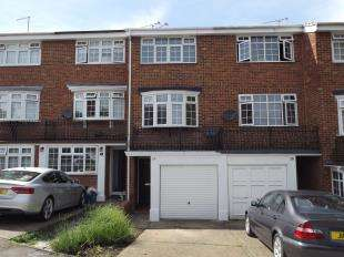3 Bedrooms Terraced House for sale in Wheatcroft Grove, Gillingham, Kent