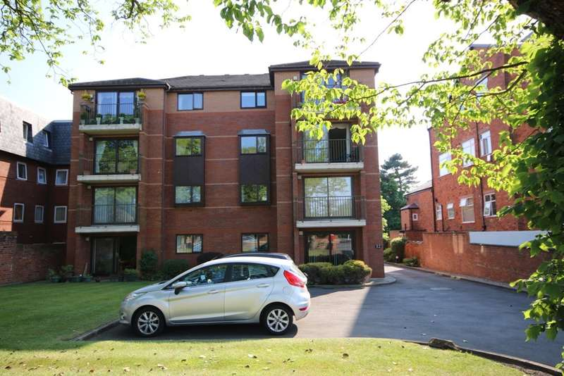 2 Bedrooms Flat for sale in Park Road West, Southport
