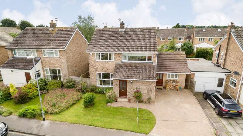 4 Bedrooms Detached House for sale in Bramble Avenue. Boston Spa, LS23