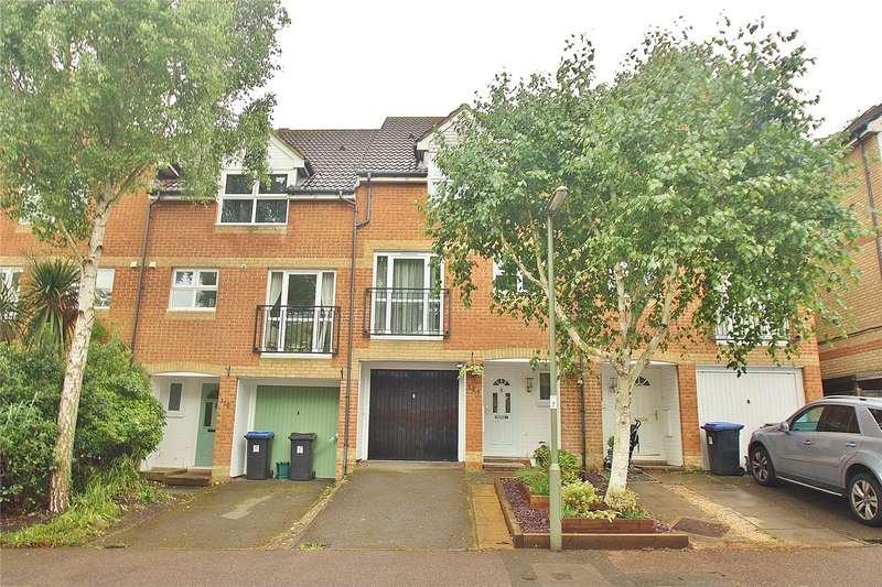 3 Bedrooms Terraced House for sale in Alexandra Gardens, Knaphill, Woking, Surrey, GU21