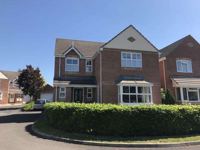 4 Bedrooms Detached House for sale in Simmons Close, Street BA16