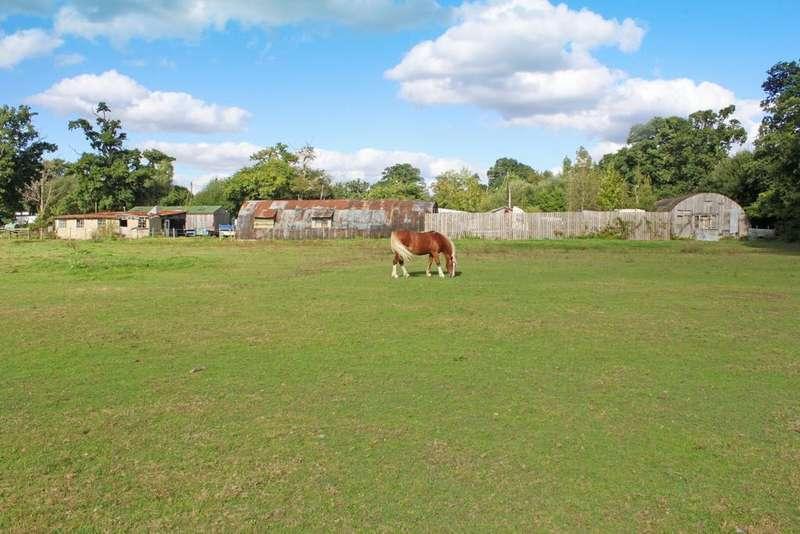 Land Commercial for sale in Fletchwood Lane, Netley Marsh, Totton, So40 7dz, SO40