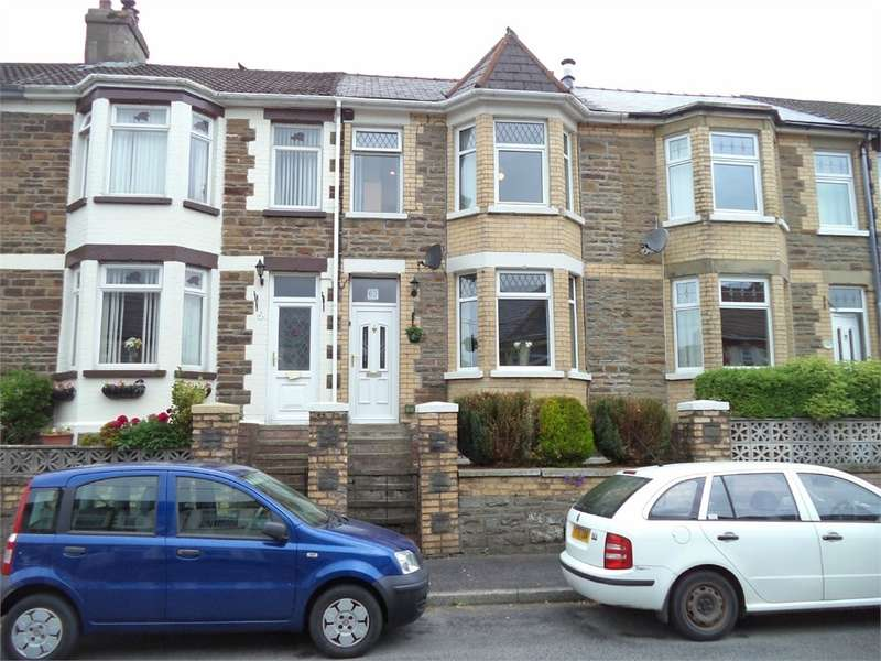 3 Bedrooms Town House for sale in Holland Street, Ebbw Vale, NP23