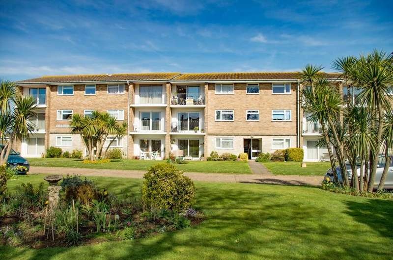 2 Bedrooms Flat for sale in Howard Road, Shanklin