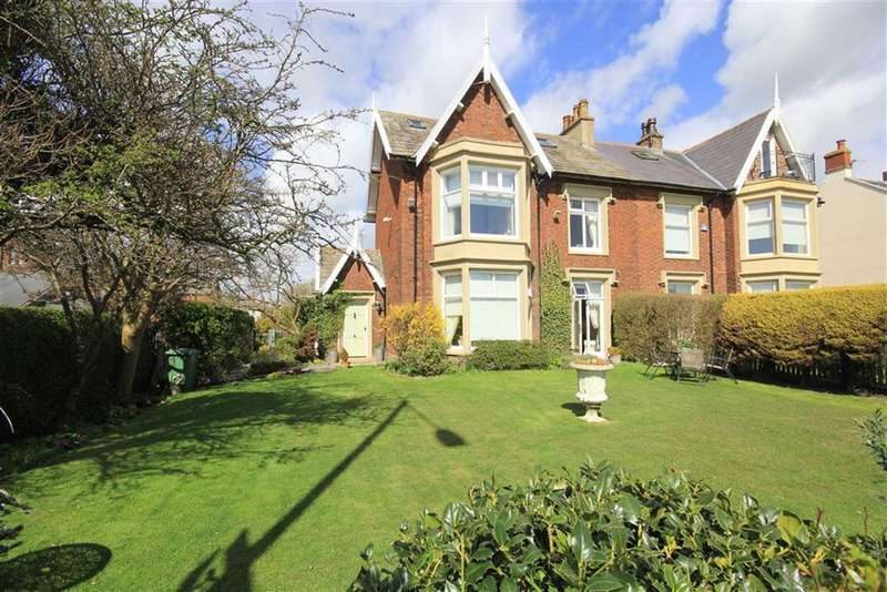 4 Bedrooms Property for sale in East Beach, Lytham