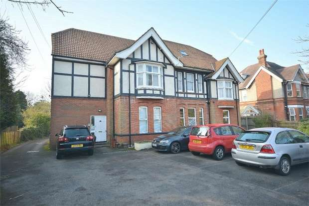 2 Bedrooms Flat for sale in East Common, Bournemouth, Dorset
