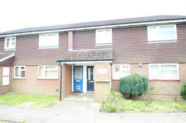 2 Bedrooms Flat for sale in Westwood Court, Hillcrest Road, GUILDFORD, Surrey