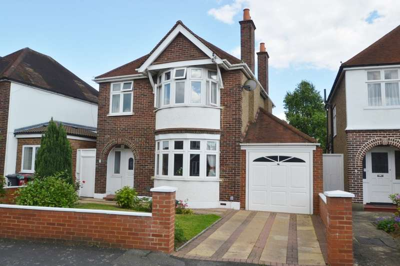 3 Bedrooms Detached House for sale in Buckland Avenue, Langley, SL3