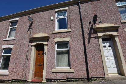 2 Bedrooms Terraced House for sale in Hall Street, Infirmary, Blackburn, Lancashire