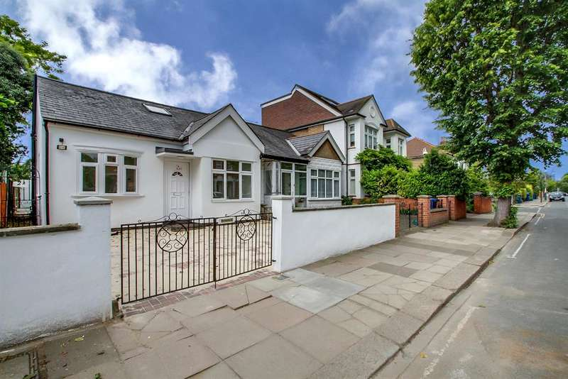 4 Bedrooms Bungalow for sale in Carew Road, Ealing, London, W13 9QL