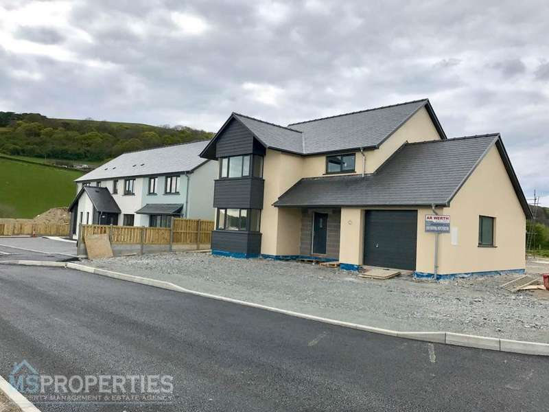 4 Bedrooms House for sale in Cefn Ceiro, Llandre, Bow Street