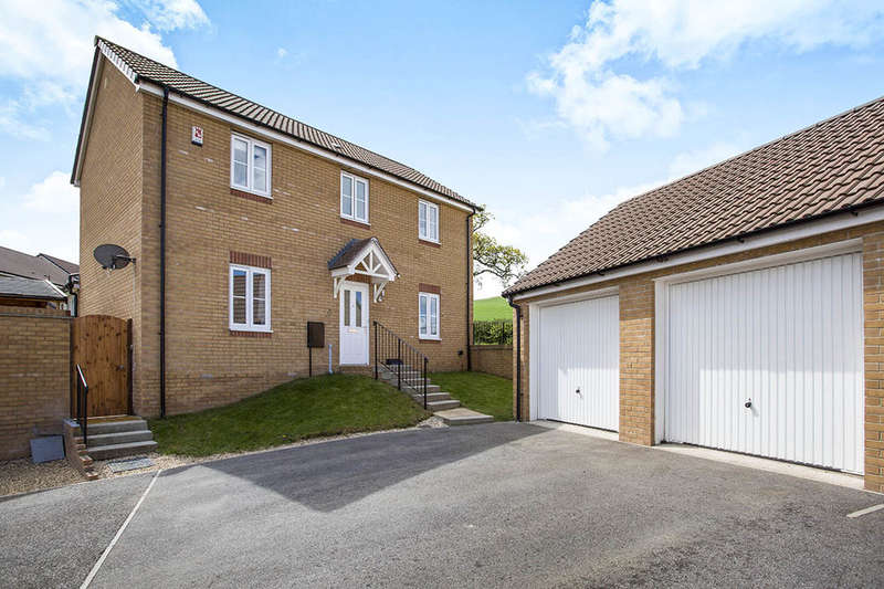 4 Bedrooms Detached House for sale in Orchard Grove, Newton Abbot, TQ12