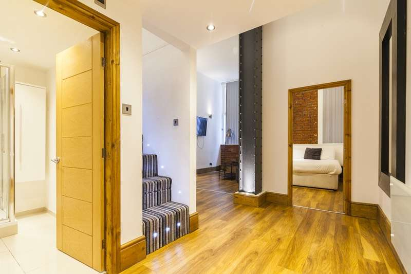 1 Bedroom Apartment Flat for sale in Whitworth Street, Manchester, Greater Manchester, M1