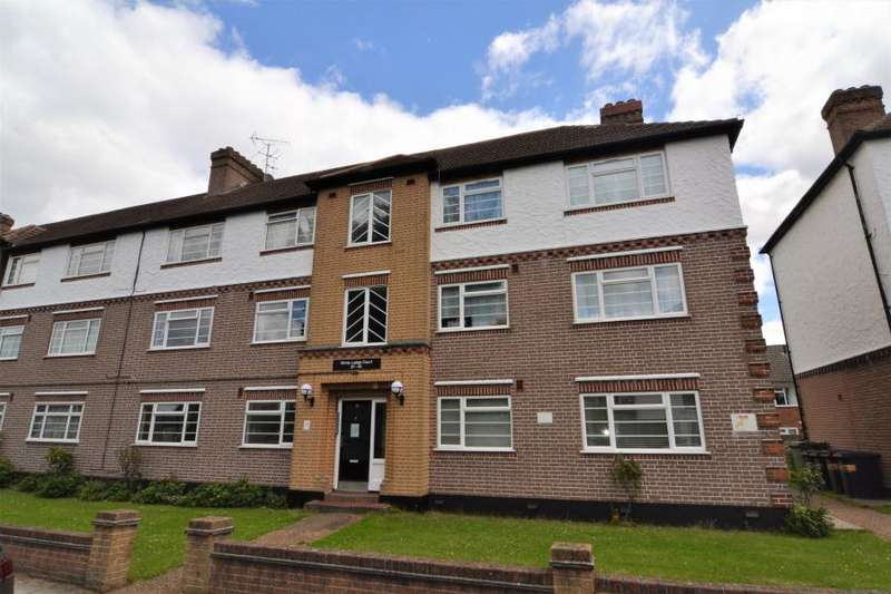 2 Bedrooms Flat for sale in White Lodge Court, Twickenham, TW2