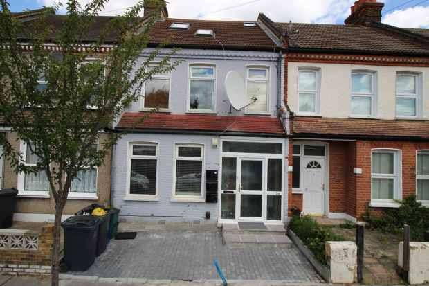1 Bedroom Ground Flat for sale in Trafford Road, Croydon, Greater London, CR7 6DQ