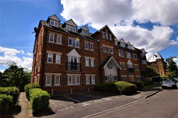 2 Bedrooms Flat for sale in Victory Road, Wanstead, LONDON