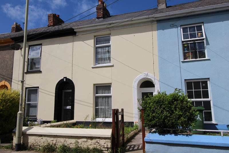 3 Bedrooms Terraced House for sale in Geneva Place, Bideford