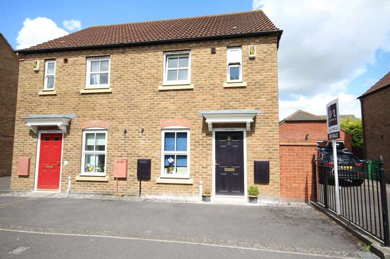 2 Bedrooms Semi Detached House for sale in Eyre Close, Fairford Leys