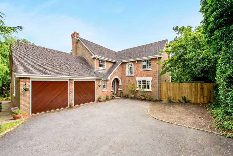 5 Bedrooms Detached House for sale in Brackenhill, Berkhamsted