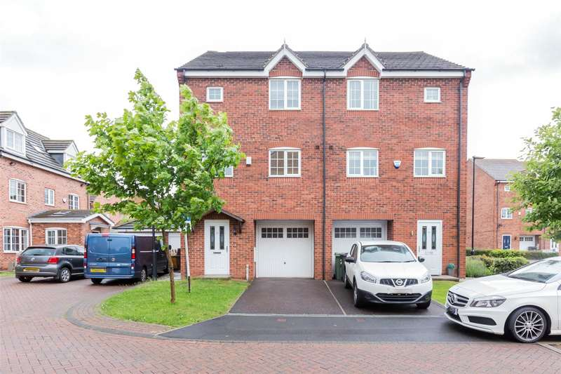 4 Bedrooms Terraced House for sale in Greenacre Way, Sheffield, South Yorkshire, S12