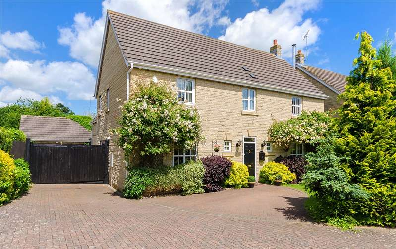 4 Bedrooms Detached House for sale in Holy Cross Gardens, Caythorpe, Grantham, NG32
