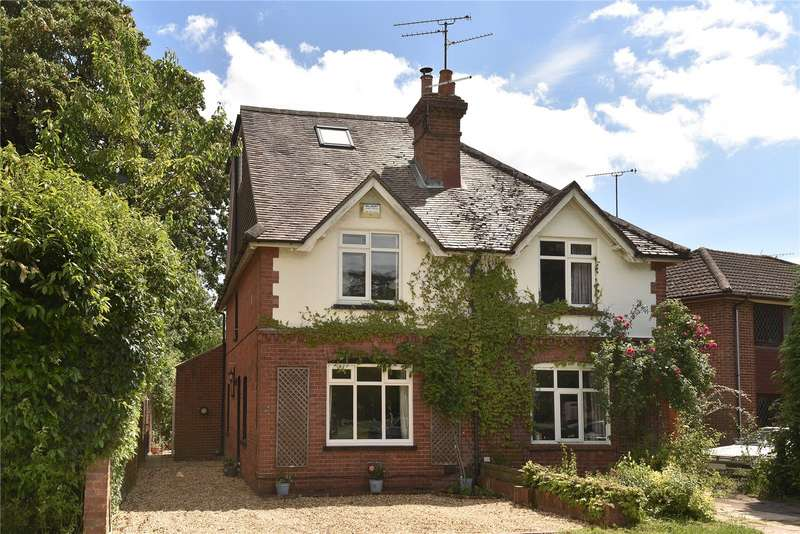 3 Bedrooms Semi Detached House for sale in The Grove, Frimley, Camberley, Surrey, GU16